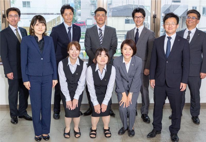 job introducion 北海道でのビル・事務所管理等の一般警備のほかに、情報収集・企業機密の防衛を行います。